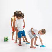 Kövesd a lábnyomot kooperációs fejlesztő játék